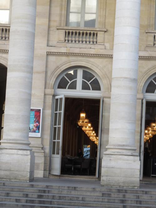 オペラ座には入っていますので<br />想像はつきますが大階段を見てみたい