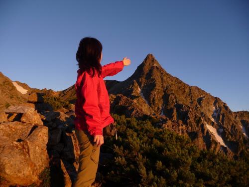 さらに高台に登ってみると、槍ヶ岳が手に届きそうです