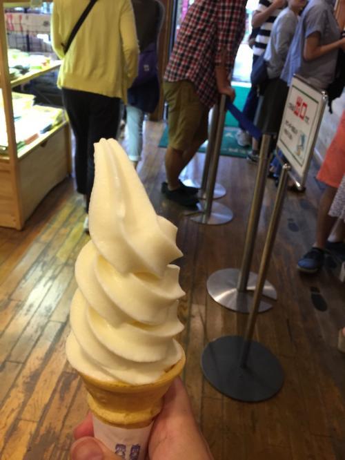 ここはソフトクリームが有名ですよね<br /><br />肌寒い日ではありましたが、やっぱり押さえどころはきっちりと、、、<br /><br />とてもおいしかったです^^<br />