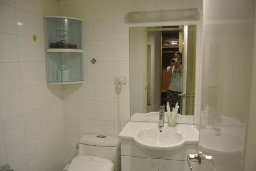 バストイレは古いけど広いし許容範囲です。<br /><br />以前シャワーの出が劇的に悪かったけど今回大丈夫でした。<br />改善されたのかな?