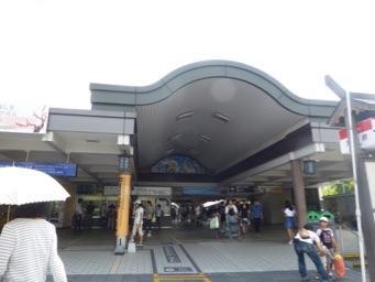 太宰府駅<br /><br />天神から西鉄に乗って太宰府へ。<br />駅でレンタサイクルのサービスがあるので利用した。駅員さんに申し出ると手続きをしてくれる。ママチャリタイプなら一日500円。<br />頼りになる観光案内付き地図をもらって出発!