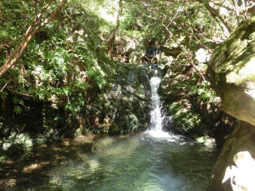 小さいけれどきれいな滝。<br />