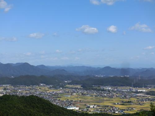 写真ではわかりにくいが、御嶽山も乗鞍も目視出来た。<br /><br />それにしても気持ちの良いお天気。<br />すがすがしすぎるわ。