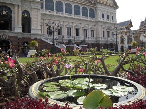 王宮の前庭