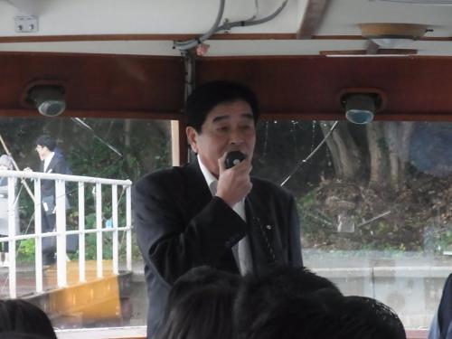 【九十九湾】<br /><br />珠洲市の市長のご挨拶を伺い、出発です。<br />市長は挨拶だけでお別れ!