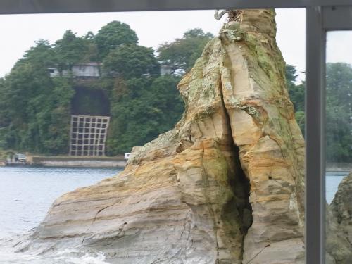 【九十九湾】<br /><br />芦ノ湖と長瀞を足した感じの景色