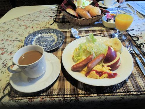 こちらはペンションの朝食。