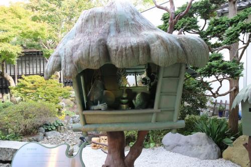 中庭にあった鬼太郎ハウス。<br />