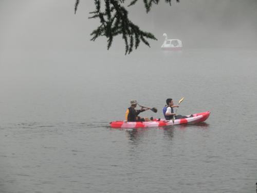 8月23日(日)の午後、定宿である「ホテルアンビエント蓼科」に到着。残念ながら天気が悪く周囲は霧雨が降っている。