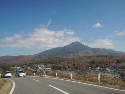 ペンションで昼食を食べたあと、私たちは車山高原をあとにした。