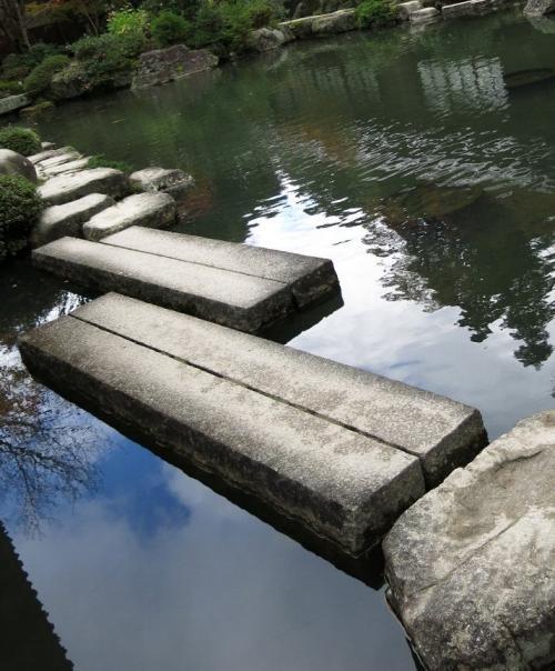 百済寺3<br /><br />  606年聖徳太子創建、近江の最古刹です。