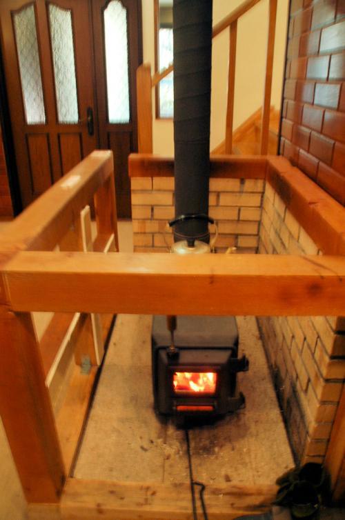 大きなストーブ。ものすごく暖かかった。