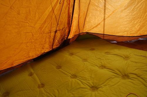 さて、そろそろ撤収。こちらは、テントの中。