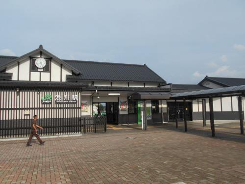 食事に大変満足して、次にやってきたのは渋川駅です。