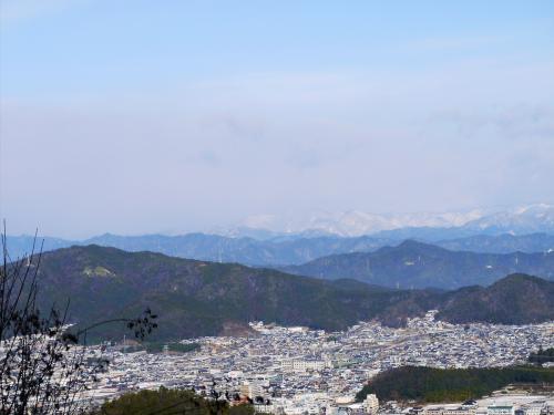 展望台からの眺望<br /><br />岐阜市の北部。岩野田や山県市方面が見えます。<br /><br />