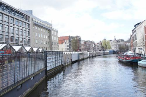 アムステルダムの有名なシンケルの花市