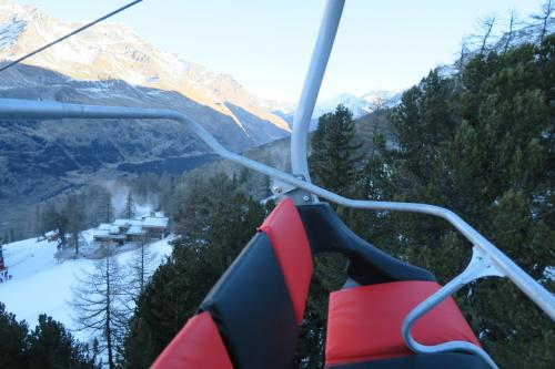 欧州のスキー場はリフトがリッチです。