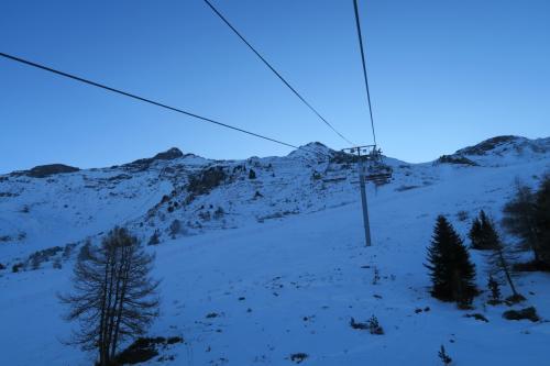 M.Jacot solert コース(中級)の上を進みます。 雪が無い・・・