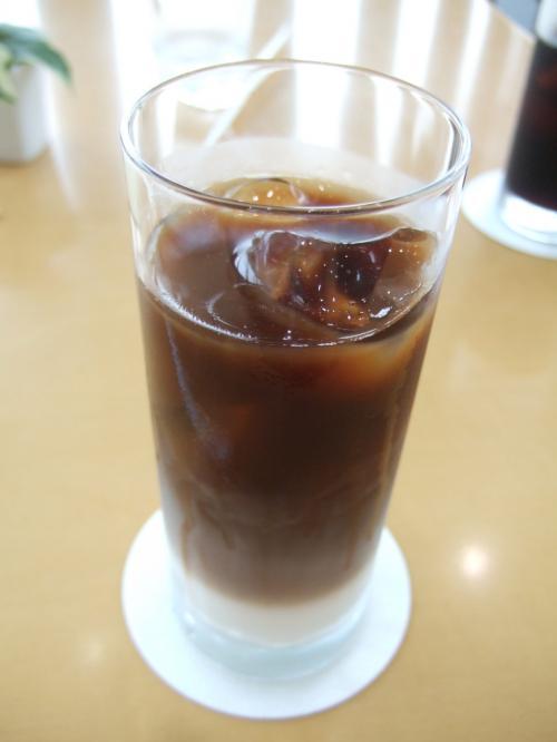 アイスコーヒー飲んで一休み。