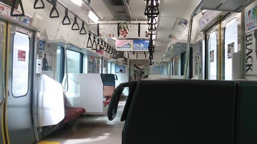 竜田(楢葉町)へ向かう列車の車内です。昼間の時間帯とはいえ貸し切り状態です。<br />