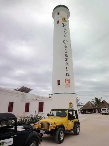 そして、灯台。33m、131段。<br /><br />正直、かなり疲れます。運動不足の方は要注意(笑)<br /><br />この灯台のふもとには、小さな博物館があります。マヤのカヌーや、当時の灯台守の生活などを見学することが出来ます。<br /><br />ここが店長実は面白かったりしました(^^)<br />
