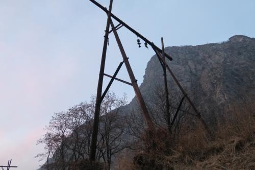 現役線から見た架線柱