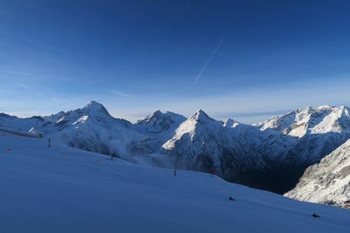 ラコッシュ山が見える。スキー場の南側です。