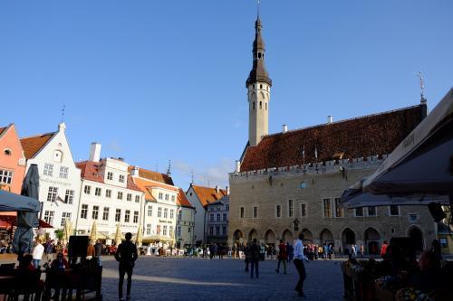 ラエコヤ広場。<br /><br />ヨーロッパの古い街の広場って、大好きです。<br />ここでビールを飲んで、1日中ぼんやりとしているのもいいな〜