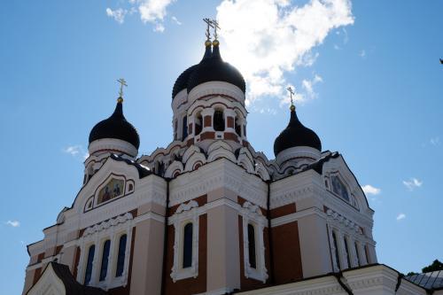 アレクサンドル・ネフスキー聖堂。<br />ギリシャ正教の教会は初めてです。<br /><br />いな、母校近くのニコライ堂もギリシャ正教だった・・かな?<br />