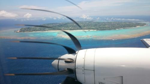 すぐに沖永良部に向かいます。<br /><br />【4レグ】与論島→沖永良部島 JAC3856<br /><br />このあたりの島は珊瑚礁にかこまれた島ばかりで、<br />ただただ美しいです。