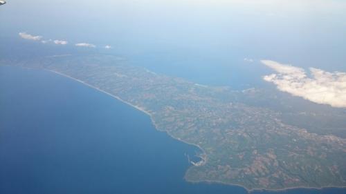 【7レグ】喜界島→鹿児島 JAC3784<br /><br />本日の最終フライト。<br />写真は種子島です。反対側の窓からは屋久島が見えます。<br /><br />