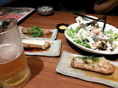 旅友と居酒屋で食事。お酒を飲めない彼女はノンアルコール・ビールで付き合ってくれました。<br />成田のホテルはツインで一人3700円、空港まで無料バスが送迎をしてくれます。