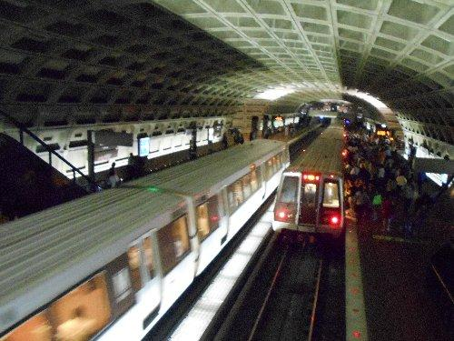 Metro Center 駅-2
