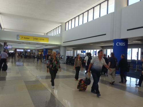 8時間も時間をつぶした<br />ニューアーク空港