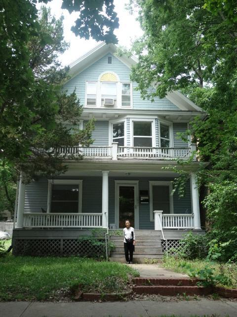 ユージーンがシェアして3人で住んでいた家