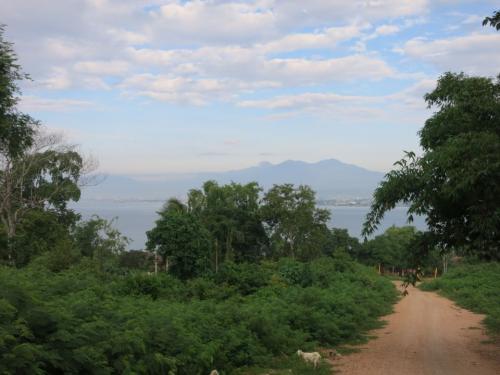 フィリピン最高峰、アポ山が見えました。
