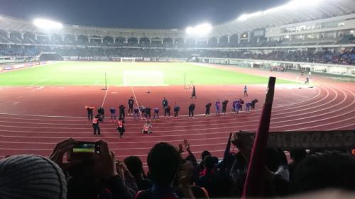 残念ながら試合に負けてしまい、天皇杯の戦いは終わってしまいました。<br />この試合でマッシモ・フィッカデンティ監督ともお別れです。<br />そして海外移籍が決まった太田選手ともお別れになりました。