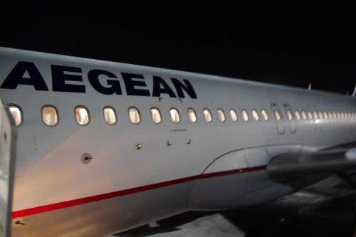 アテネからエーゲ航空で2時間ちょいで深夜のアンマンへ到着!<br />この日も機中泊でしたが,2時間ではさすがにほとんど寝れず(>_<)<br />