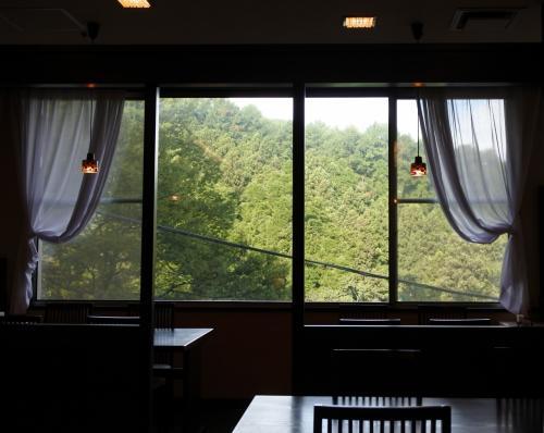 朝食は2階のレストラン「榛名」で。