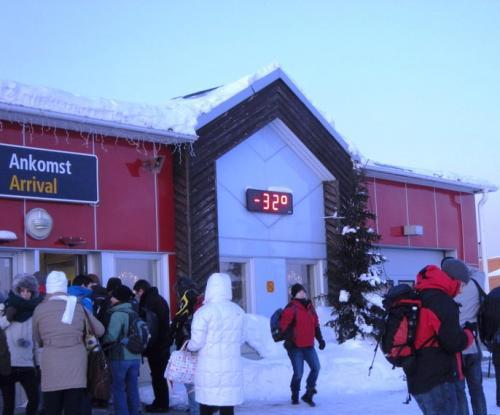 キルナ空港<br />キルナの観測史上最低気温は -43.3 ℃ この日は -32 ℃だった。