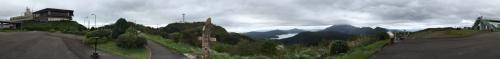天気が良ければ早朝に行こうと思っていた<br />MAZDAスカイラウンジへ<br />富士山は残念ながら見えません。<br /><br />そこから、新東名へ。<br />行く途中、日本1の吊り橋??<br />反対車線は大渋滞。<br />北海道青い池のお盆時期よりはマシかな。