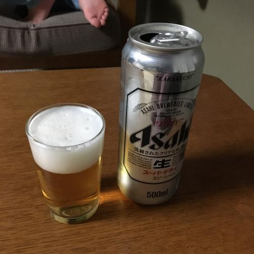 で、風呂上がりのビール。もう19時近く。巻きで!