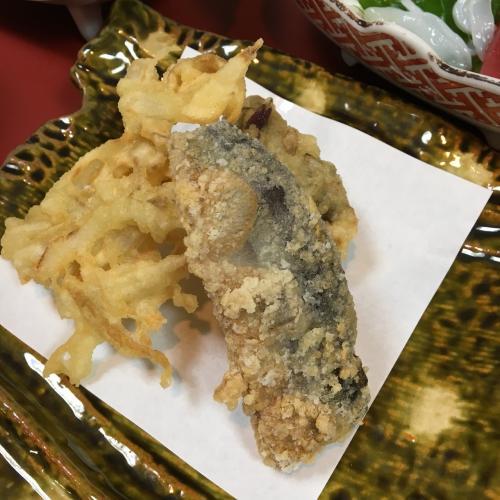 天ぷら。さんまのやつは食べ盛りの息子が。