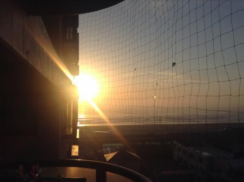 この日は朝から晴天です。<br /><br />朝7:30にお迎えの車が家の前まで来てくれます。