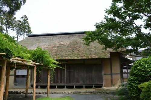 <円通寺前の家屋>