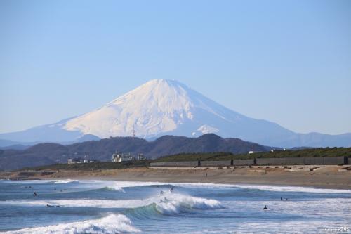 茅ヶ崎海岸西浜から眺める富士山<br /><br />