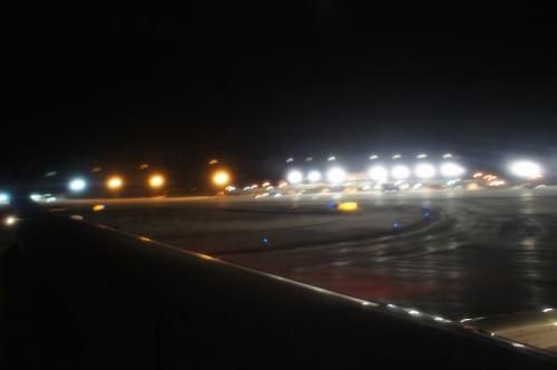 2016/12/24 23:56<br />シアトル観光を終え、シアトルからフェアバンクスへのDELTA航空が定刻に到着する。<br />僕達を運んでくれてありがとう。