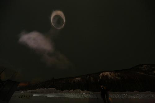 最後の花火の吐いた輪