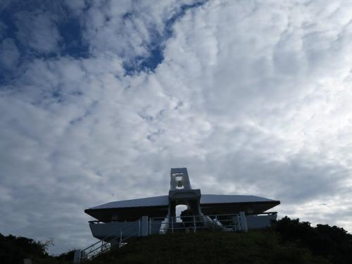 伊良部島牧山展望台<br /><br /> 伊良部大橋と宮古島がよく見える