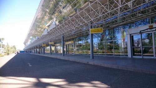 乗り継ぎ時間を利用してアディスアベバを観光後、15時半には空港に戻ってきた。ケニアのナイロビ国際空港と並び、東アフリカを代表するハブ空港で近代化が進むアディスアベバ国際空港。今後の更なる発展が楽しみだ。